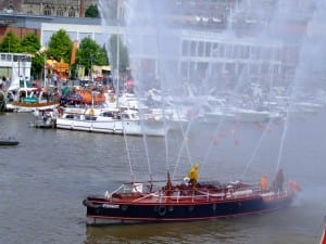 Working exhibits - Photograph of the fireboat Pyronaut spraying water