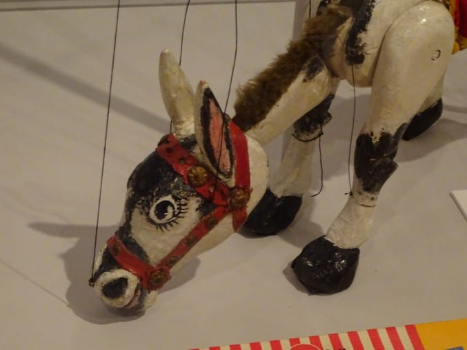 photo of a horse puppet toy