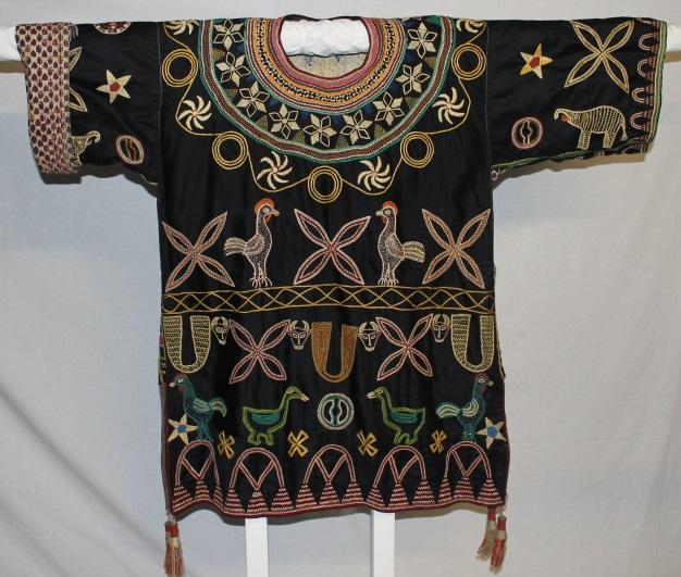 An image of a African shirt