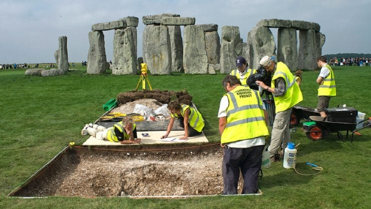 Winter lecture: Whose ancestors are buried at Stonehenge?