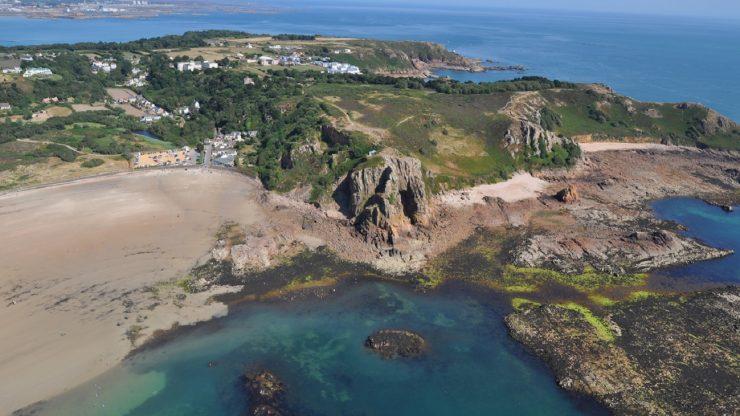 Archaeology online: the Neanderthal archaeology of La Cotte de St Brelade and the La Manche region
